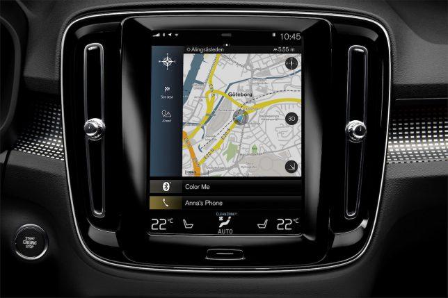 VOLVO SUV XC40 タッチスクリーン式センターパネル