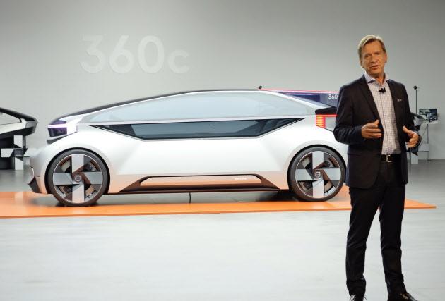 【ボルボ・カー】斬新過ぎる?眠れる自動運転車「360c」